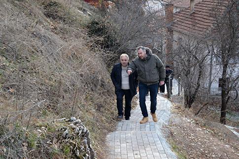 Населбата Рача доби нова пешачка патека